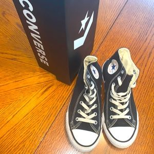 CONVERSE Size 2 Youth ALL⭐️STAR Black High Tops🖤